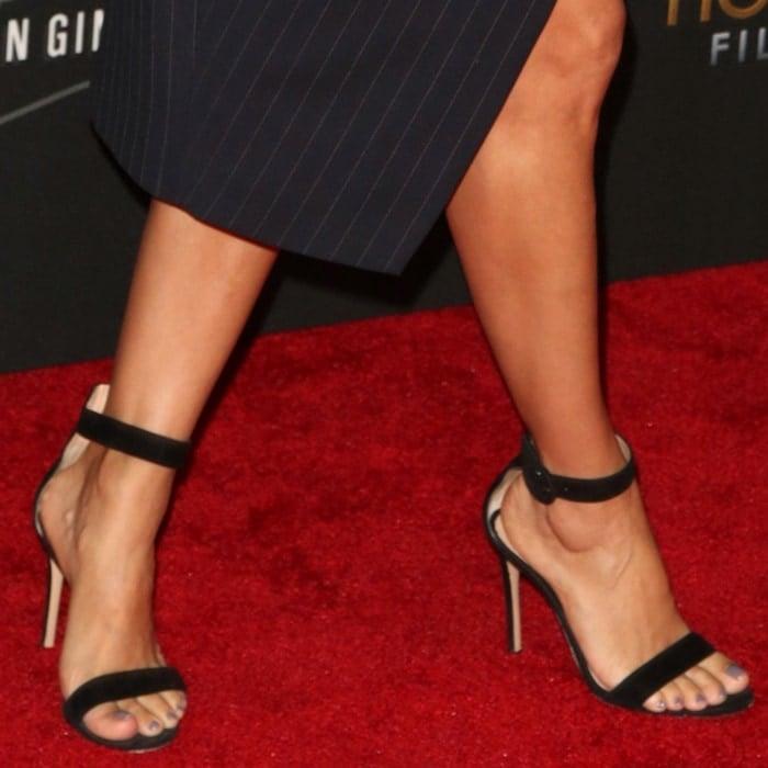 Eva Longoria wearing black Gianvito Rossi 'Portofino' sandals