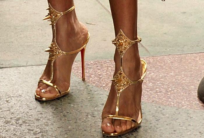 Jada Pinkett Smith'sfeet in'Lady Max Spike' sandals from Christian Louboutin