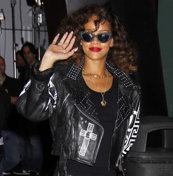 Rihanna'ssaucy head-to-toe leather ensemble