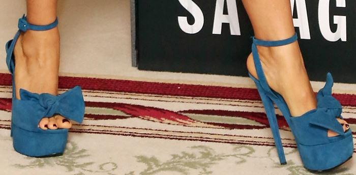 Salma Hayek's feet in flirty sky high stilettos