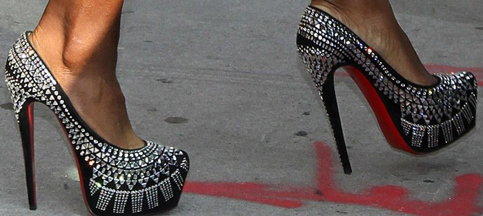 Serena Williams shows off her feet inChristian Louboutin's 'Decorapump' shoes