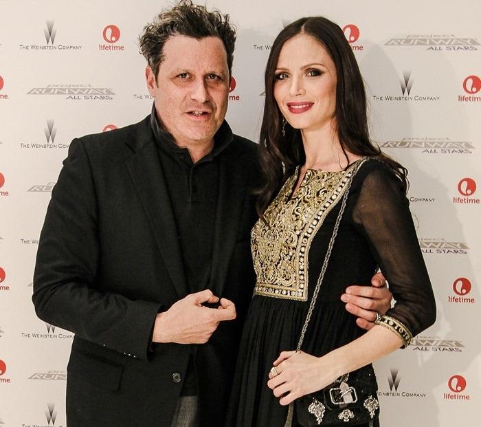 Georgina Chapman, posing withIsaac Mizrahi, lookedfabulous with long loose waves