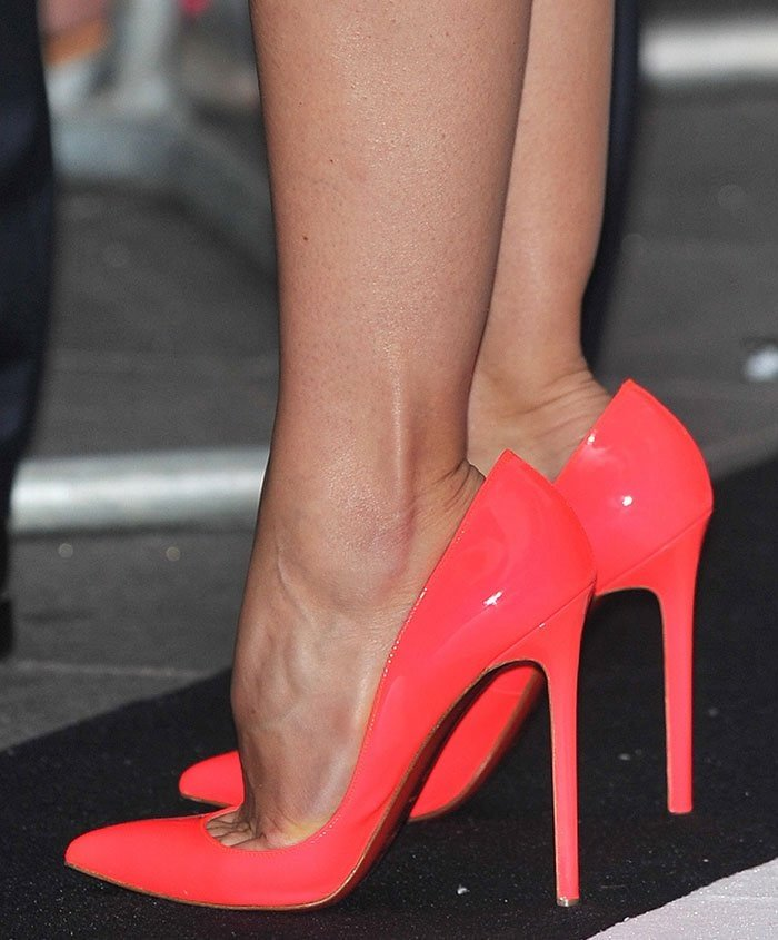 Jessica Biel wearing Christian Louboutin Pigalle pumps
