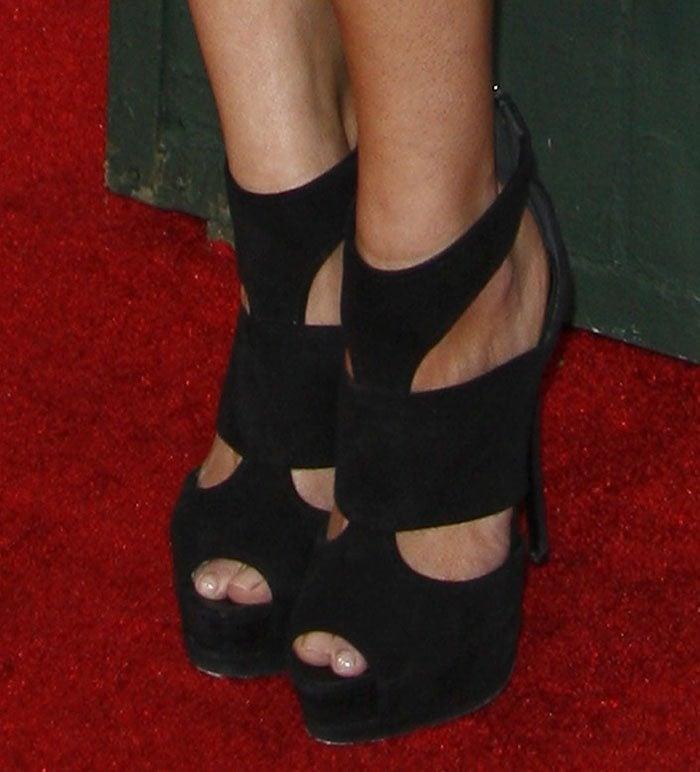 LeAnn Rimes in Giuseppe Zanotti platform sandals