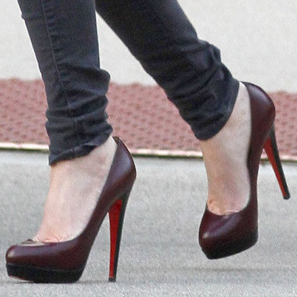 Megan Fox reveals toe cleavage in red Christian Louboutin Bianca pumps