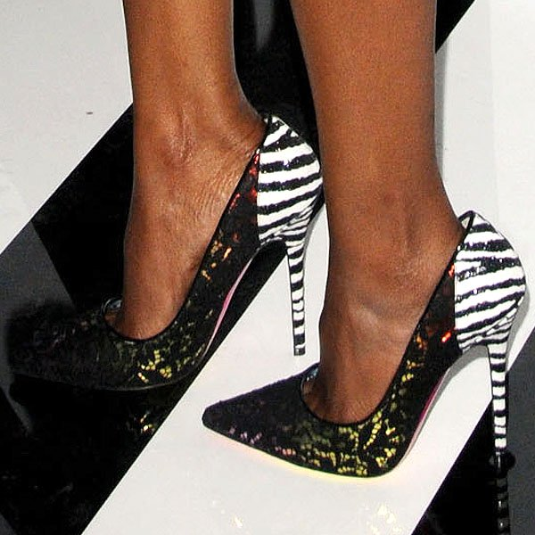 Nichole Galicia showed off her hot feet in Jimmy Choo Anouk pumps