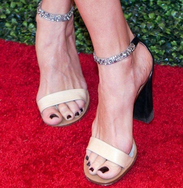 Rebecca Romijn's sexy feet in crystal sandals