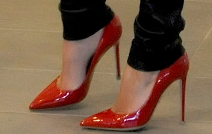 A closer look at Kim's red stiletto pumps