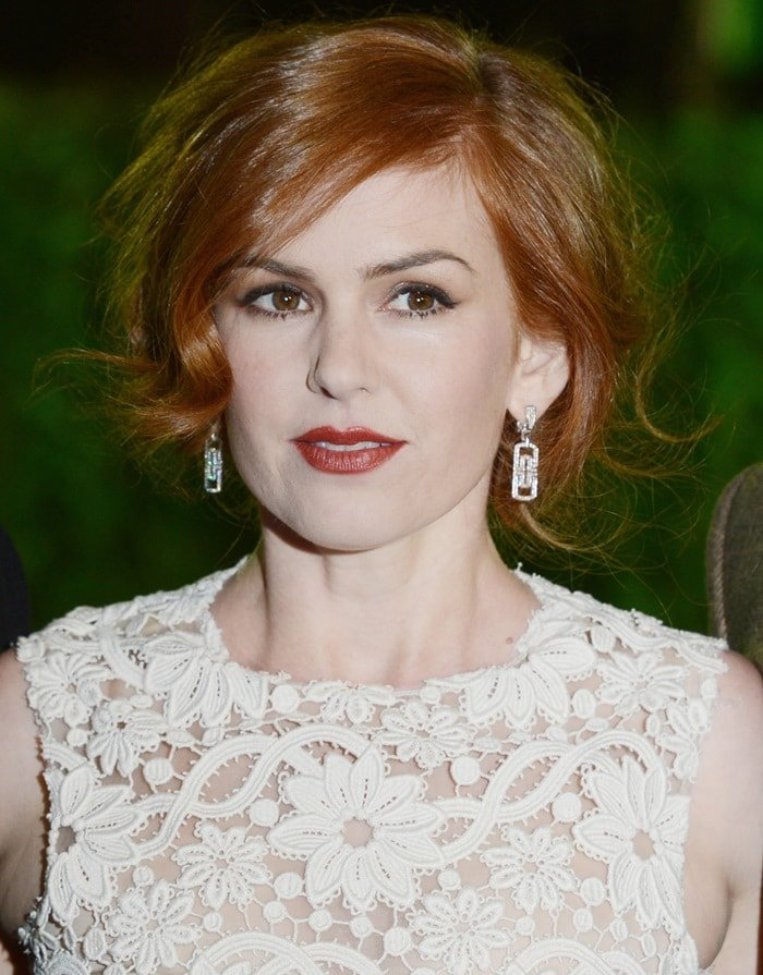 Actress Isla Fisher attends the UK Premiere of 'Rise of the Guardians' at Empire Leicester Square on November 15, 2012 in London, England