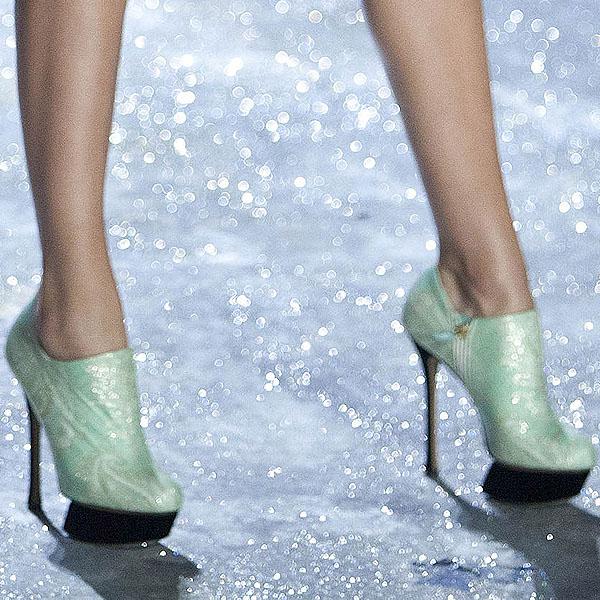 Dutch model Bregje Heinen rocks Nicholas Kirkwood stilettos