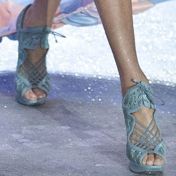 Magdalena Frąckowiak shows off her feet in blue lace heels