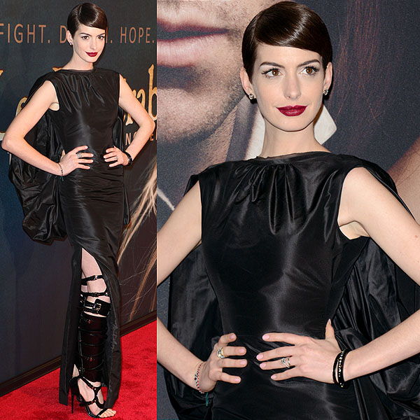 Anne Hathaway At The Hustle Premiere In Hollywood: Anne Hathaway's Tom Ford Bondage Boot Sandals From Every Angle