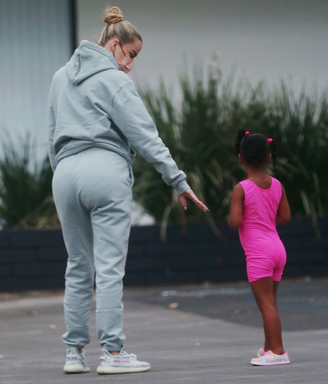 Khloe Kardashian wears baggy sweats to escort daughter True Thompson to dance class