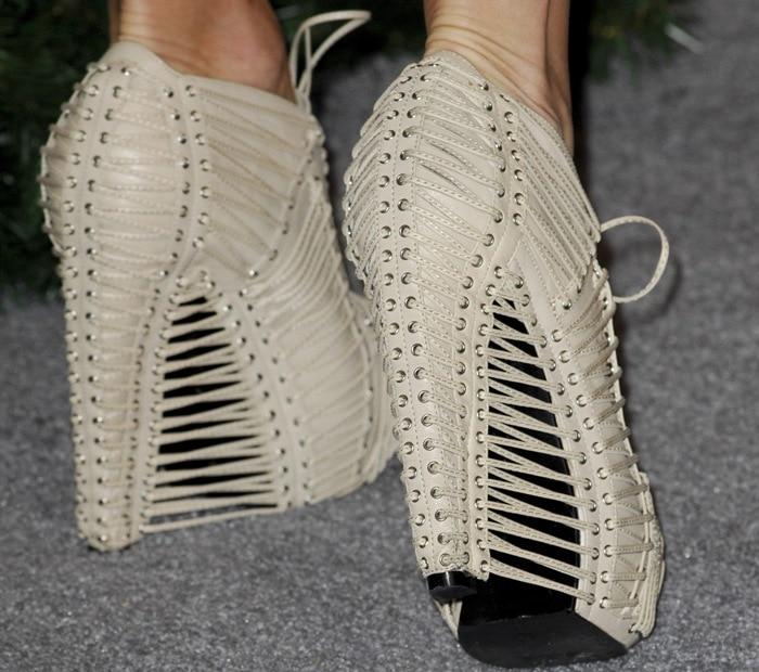 Stephanie Pratt wearingfun and modern Iris van Herpen x United Nude Crystallization boots