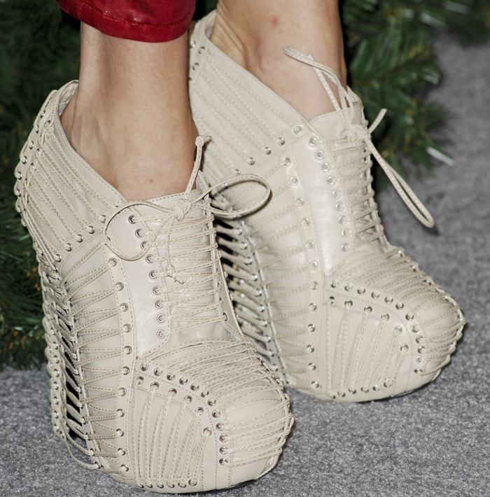 "Stephanie Pratt wearingfun and modern Iris van Herpen x United Nude ""Crystallization"" boots"