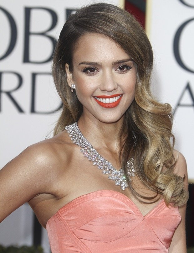 Jessica Alba with wavy hair and a Harry Winston necklace at the 70th Annual Golden Globe Awards