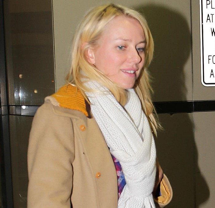 Naomi Watts wears tan Fay single breasted coat