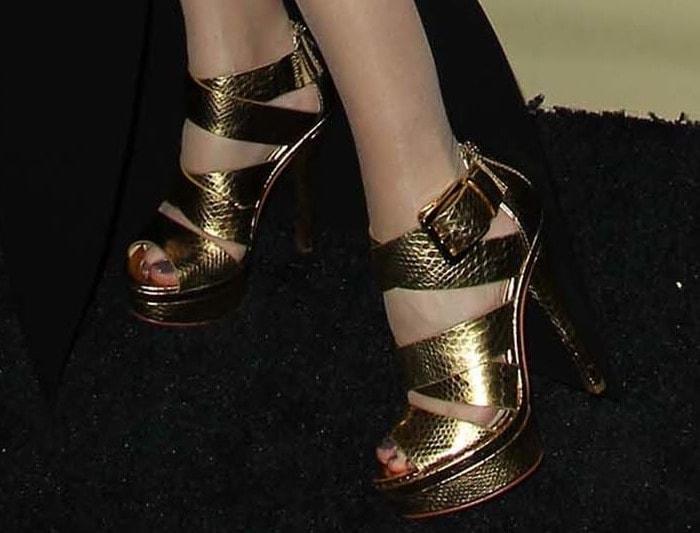 Paz Vega rocking metallic heels