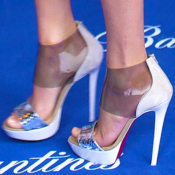 Taylor Swift in Christian Louboutin Dufoura