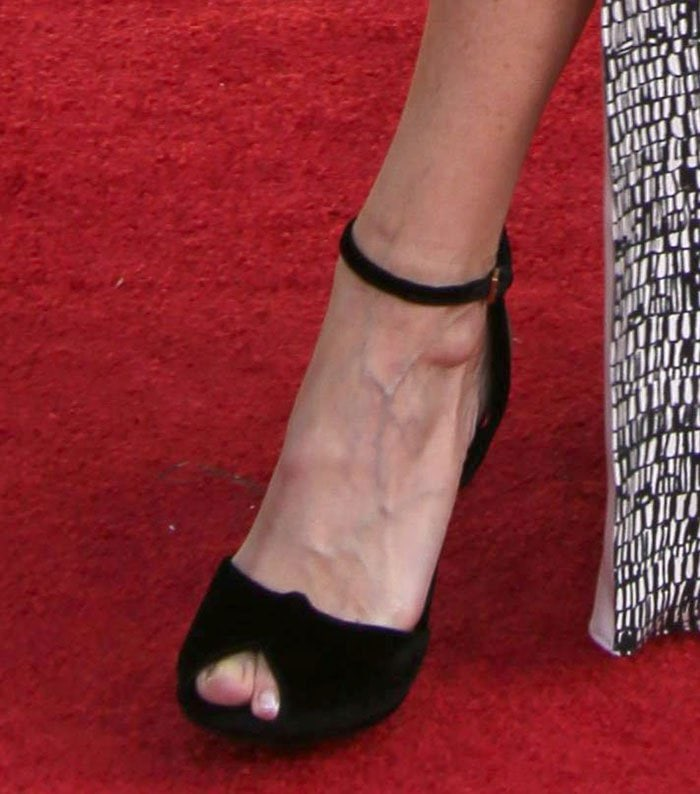 Willow-Bay-Christian-Louboutin-knot-pumps