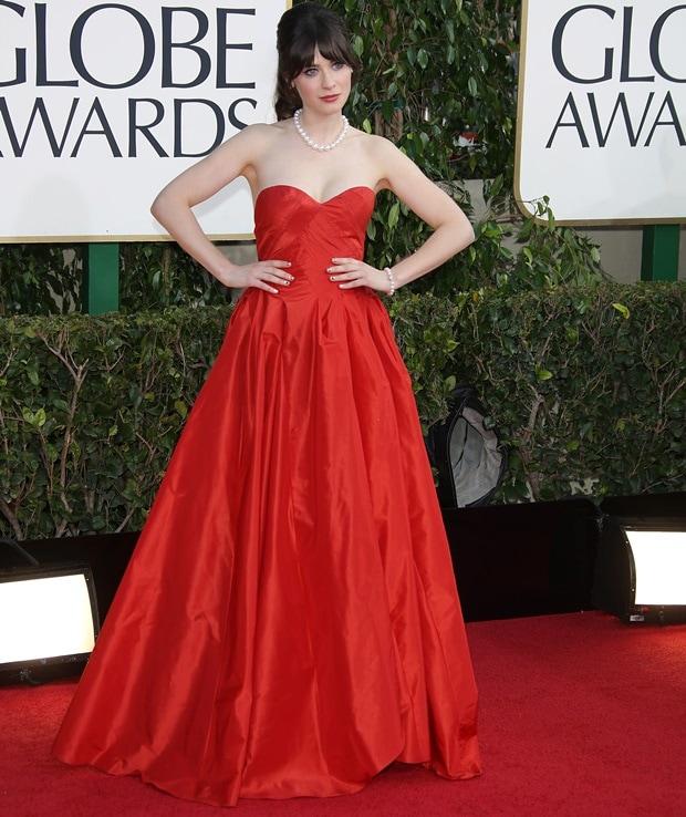 Zooey Deschanel in a bright red Oscar de la Renta Pre-Fall 2013 gown at the 70th Annual Golden Globe Awards