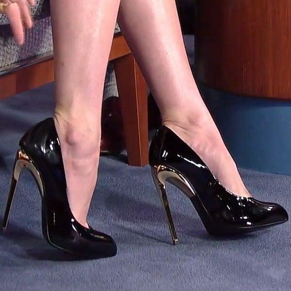Alison Brie's beautiful feet