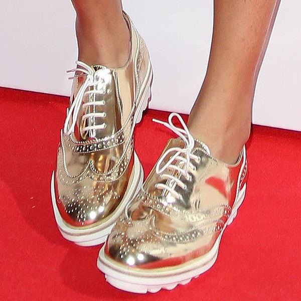 Aluna Francis rocks gold Jeffrey Campbell shoes