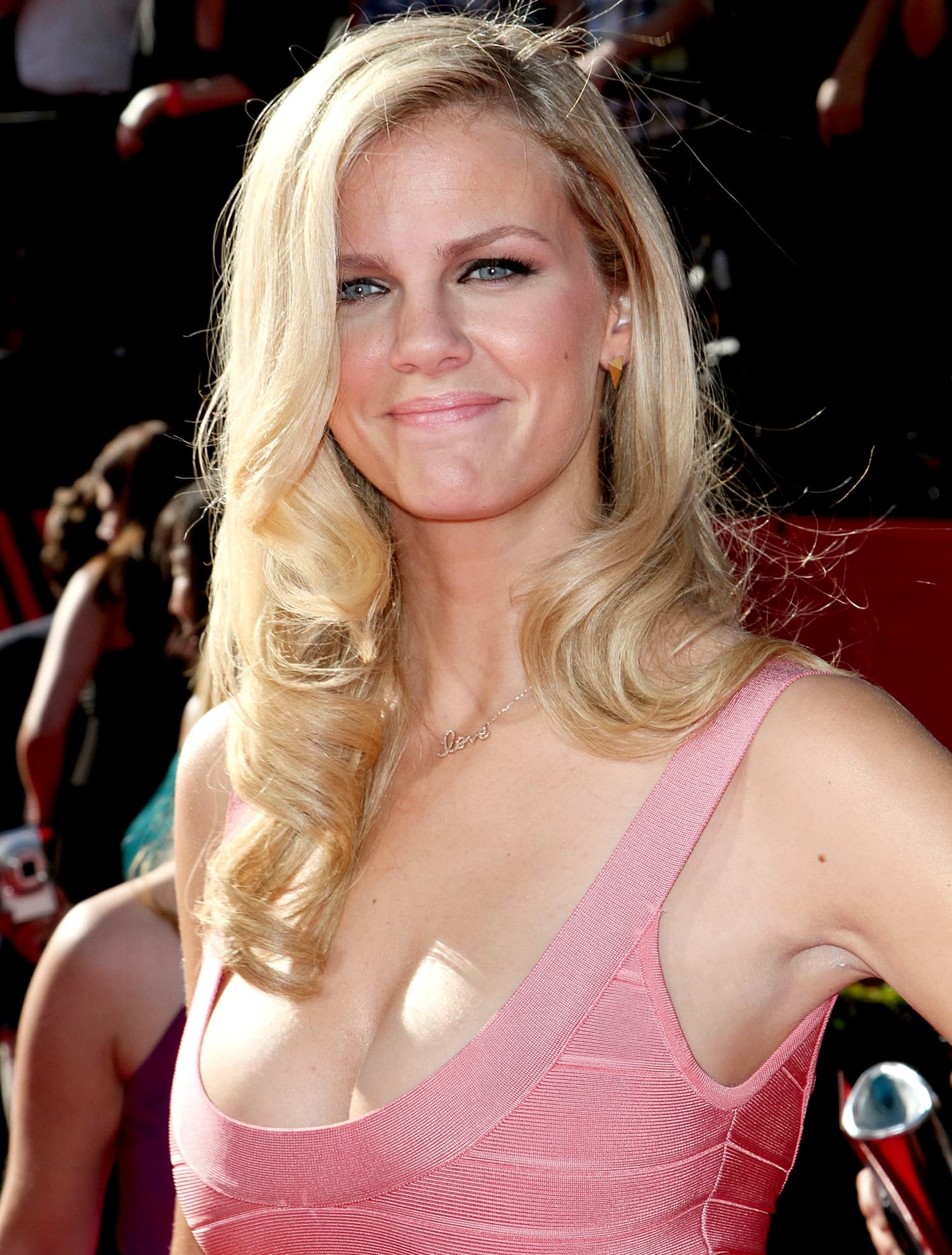 Brooklyn Decker shows off the boobs that made her famous at the 2010 ESPY Awards