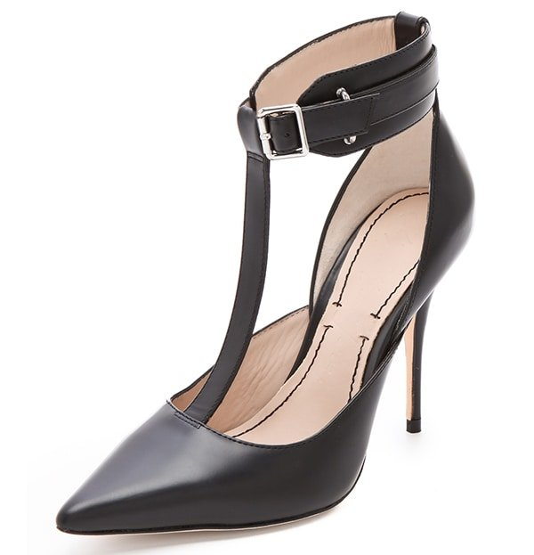Elizabeth and James Saucy Pump in Black