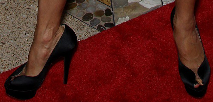 Eva Longoria's feet in Charlotte Olympia pumps