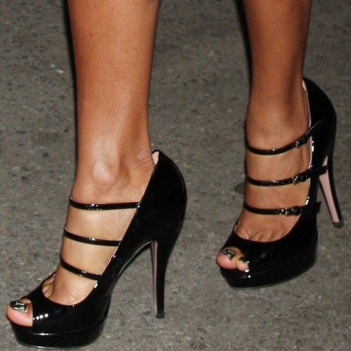 A closer look at Jada's three-strap Mary Jane pumps