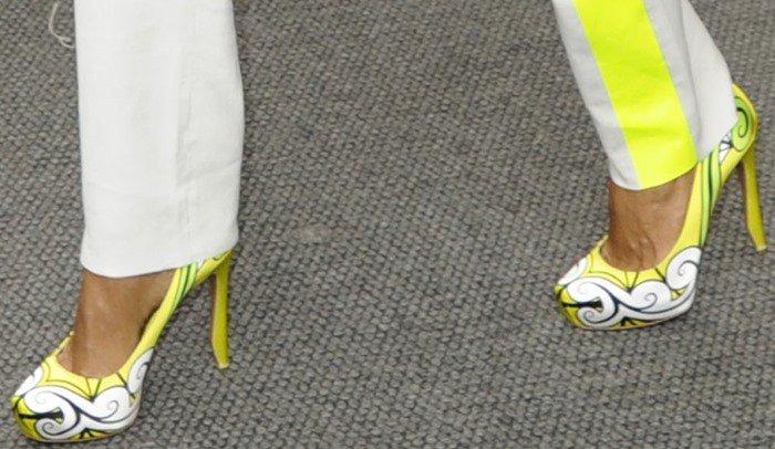 Jada Pinkett Smith wearing neon Nicholas Kirkwood pumps