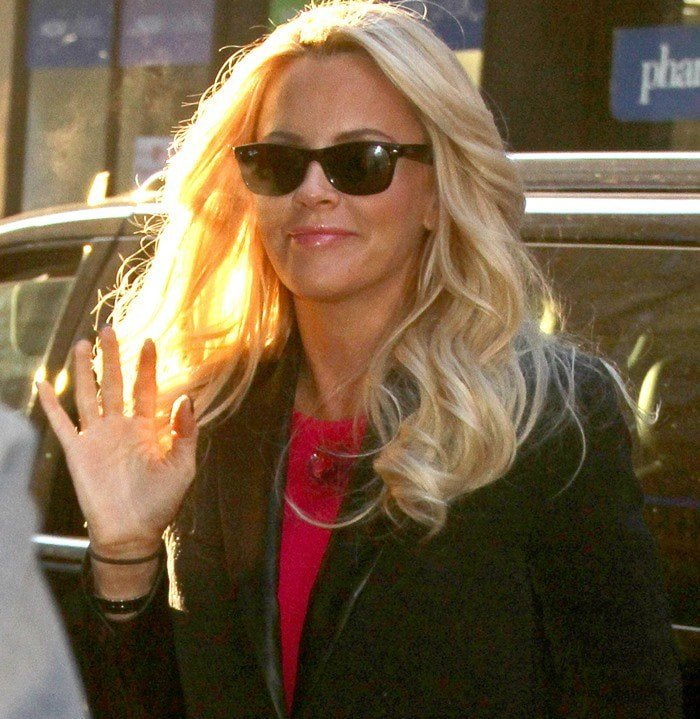 """Jenny McCarthy wears her hair down as she arrives at NBC Studios for a filming of the """"Today show"""""""