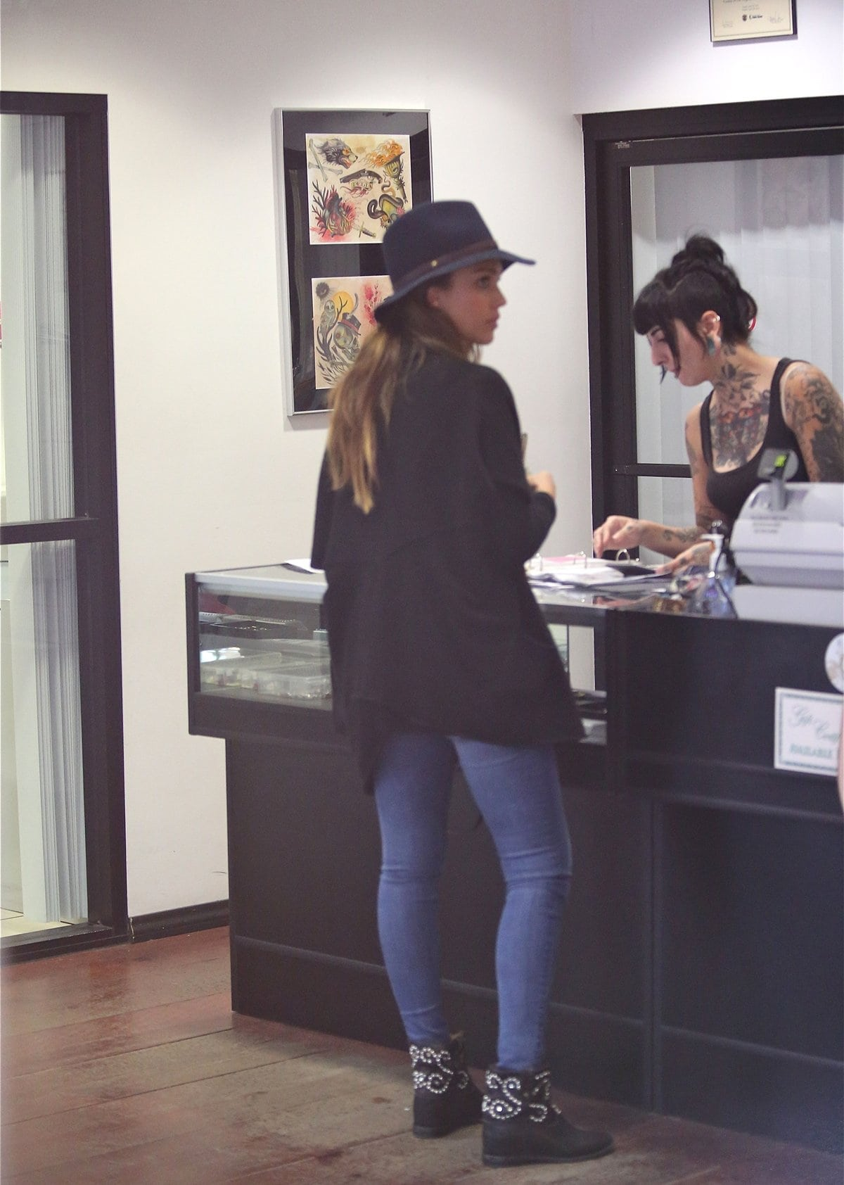 Jessica Alba visits Prix Tattoo shop in West Hollywood