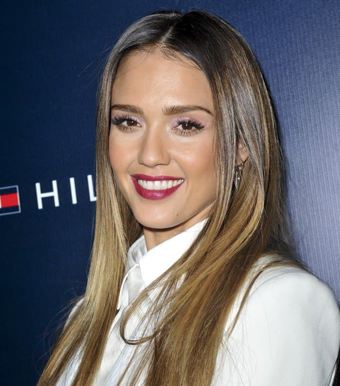 Jessica Alba sporting a seriously boxy all-white ensemble to the opening party of Tommy Hilfiger's West Coast flagship store