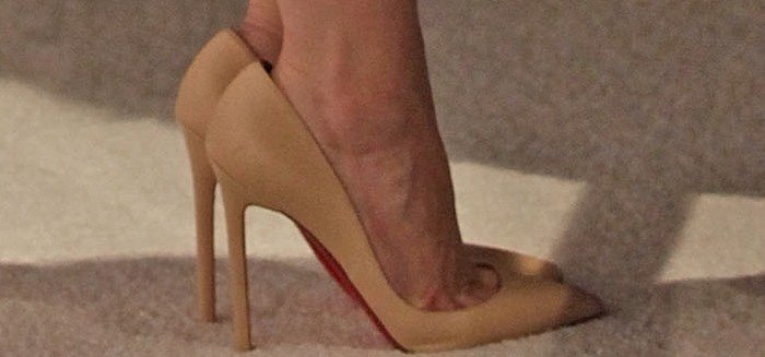 Jessica Chastain rocked nude Pigalle pumps from Christian Louboutin