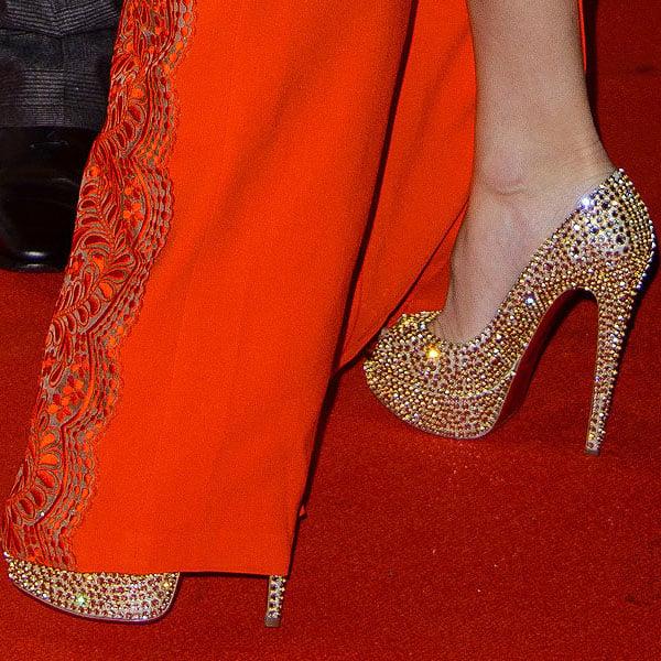 Kate Hudson rocks glittering Christian Louboutin pumps