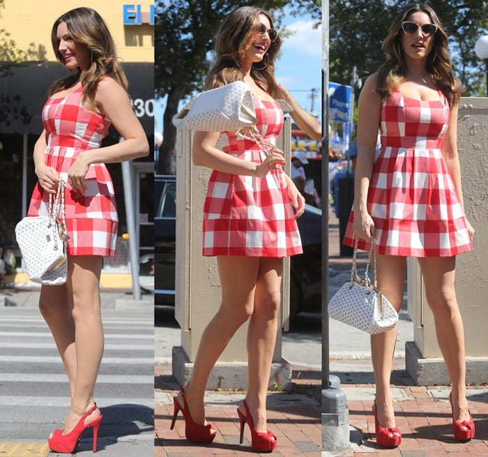 297cde7c3be Kelly Brook is Ravishing in Red Sky-High Stilettos