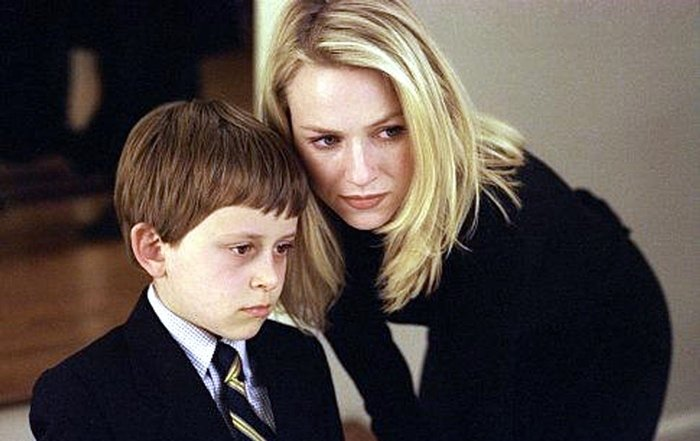 Naomi Watts as Rachel Keller and David Dorfman as Aidan Keller in The Ring