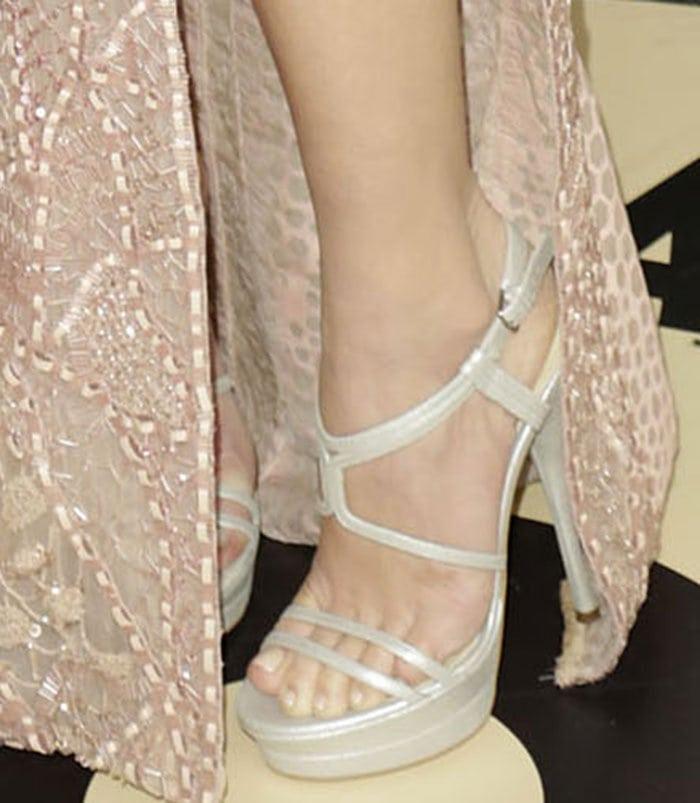 Olivia-Munn-Versace-sandals