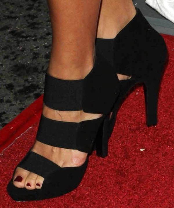Rashida Jones in Giuseppe Zanotti heels