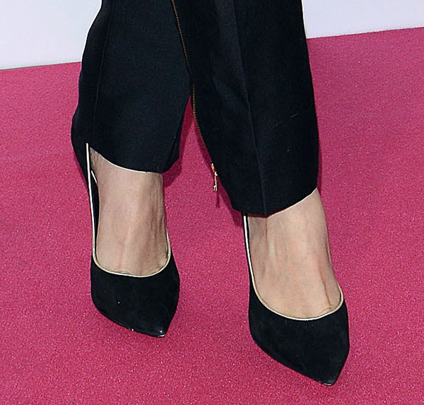 Selena Gomez's feet in black Casadei pumps