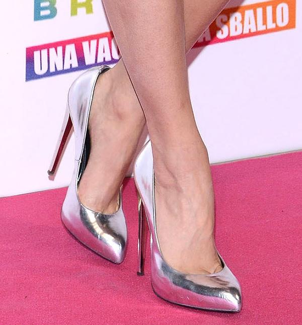 Vanessa Hudgens's feet in silver Giuseppe Zanotti pumps