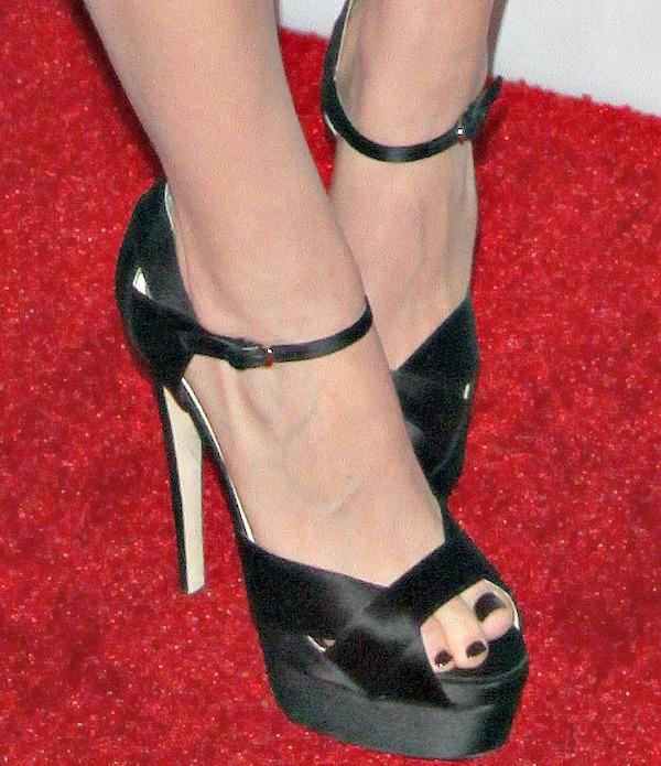 "Kate Mara's feet inBrian Atwood's ""Aida"" sandals"
