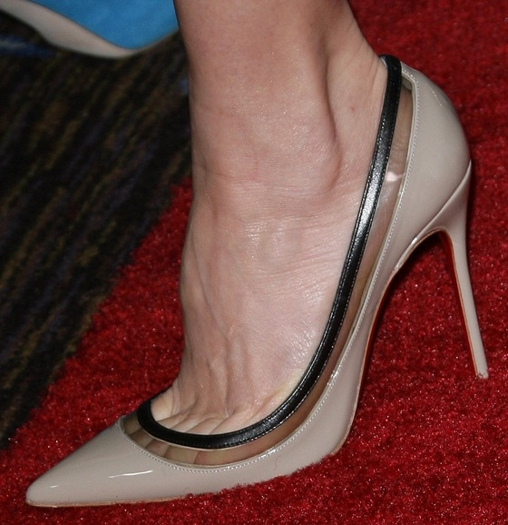 Naomi Watts's feet in nude Christian Louboutin heels