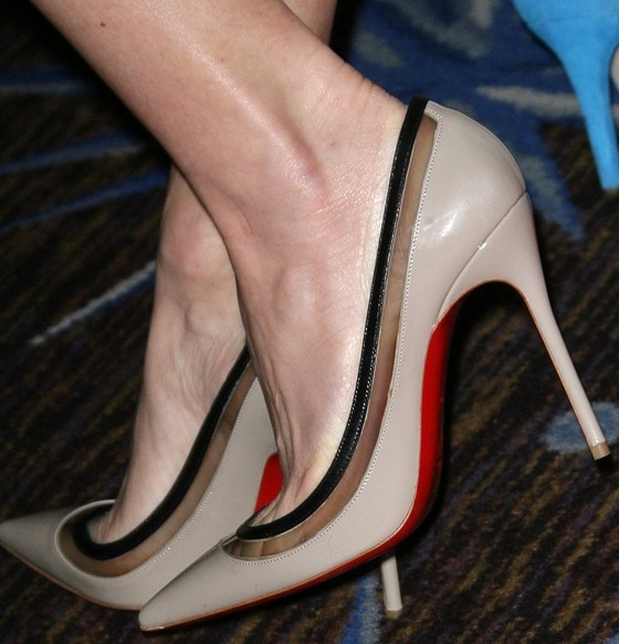 "Naomi Watts's feet in red-soled ""Paulina"" heels"