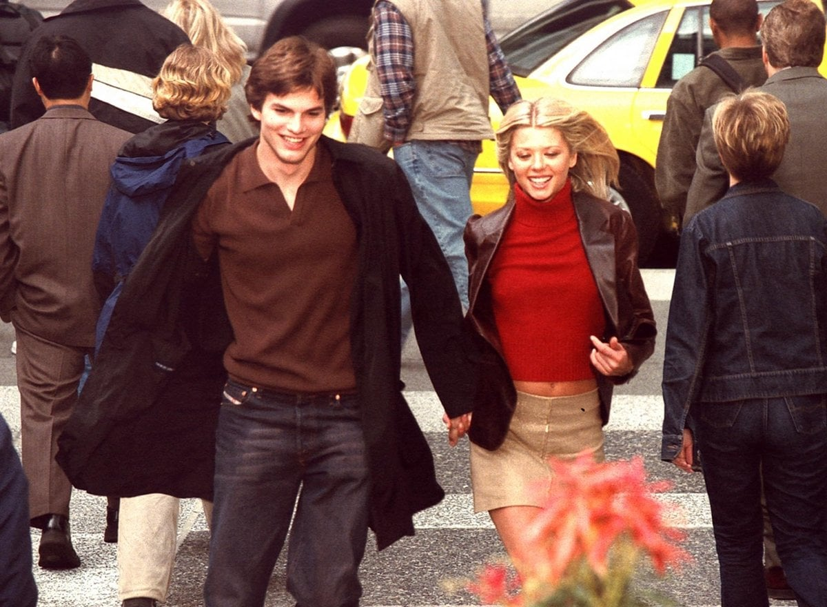 Ashton Kutcher as Tom Stansfield and Tara Reid as Lisa Taylor in the 2003 American romantic comedy film My Boss's Daughter