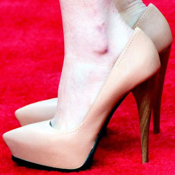 Emma Stone Lanvin stiletto pumps