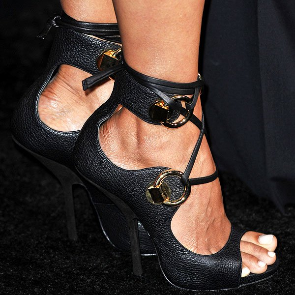 Halle Berry S Feet In Gold Ring Lace Up Sandals By