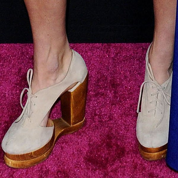 "Heather Morris wearing Jeffrey Campbell ""Benched"" shank-less oxfords"